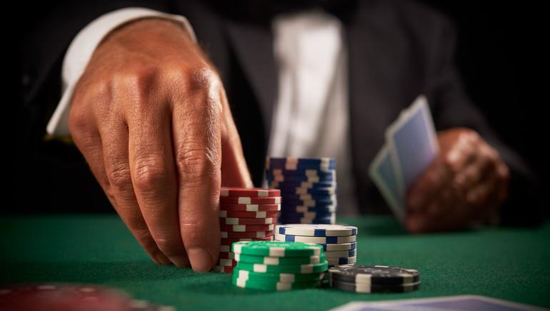 George Stephanopoulos habilidades en el poker en GMA