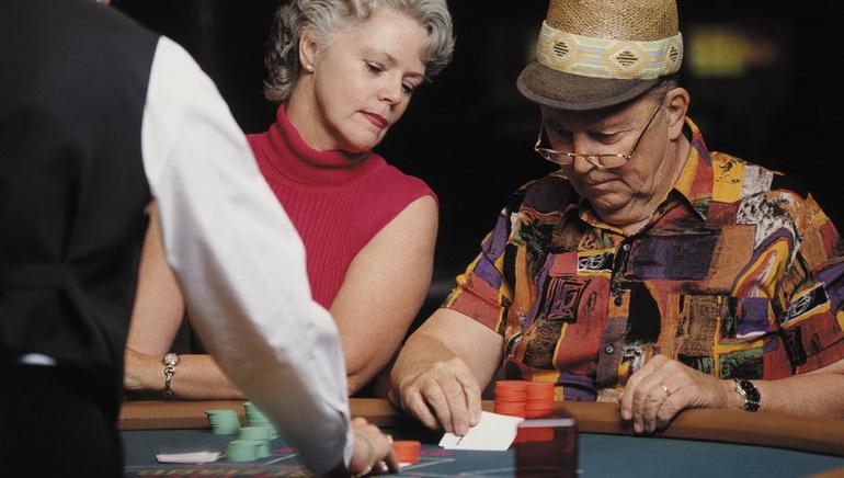 Blackjack se une a los Juegos Microgaming Live-Dealer